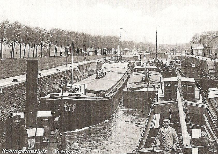 artikel47671-135.4_koninginnensluis-1960